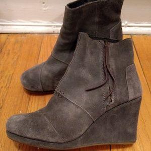 Tom's gray suede wedge booties